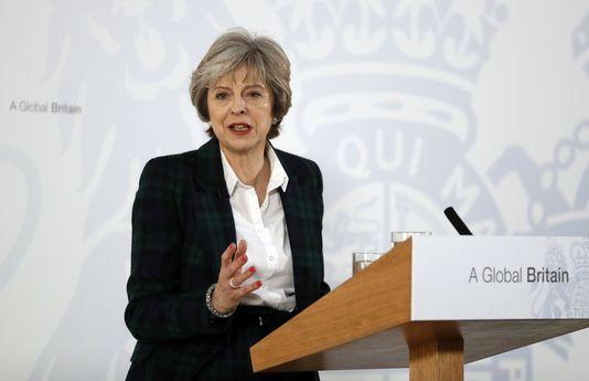 5064098_6_c0b2_la-premiere-ministre-britannique-theresa-may_f9bb13051aff7beb84b6fe21d8f5198c